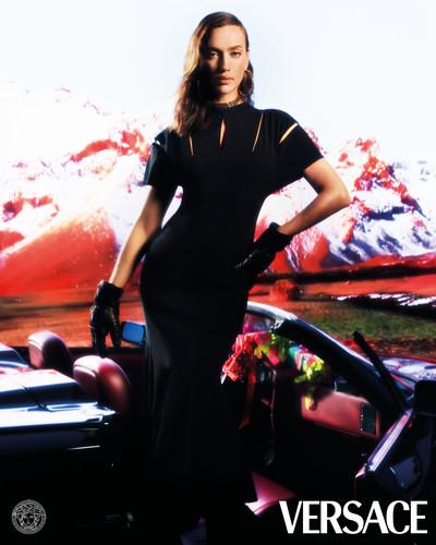 Versace Holiday 2020 Campaign - © Arnaud Lajeunie